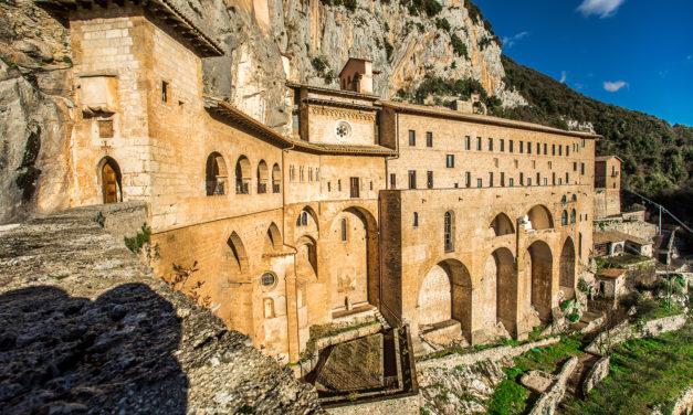 peccati di gola  fra monasteri, abbazie e conventi